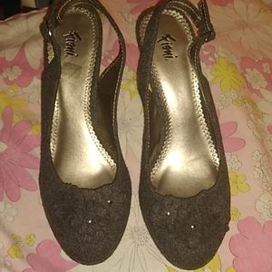 Size 8 Fioni wool heels